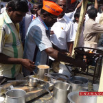 Tea vendors protest against Congress by preparing and distributing Tea Free of cost