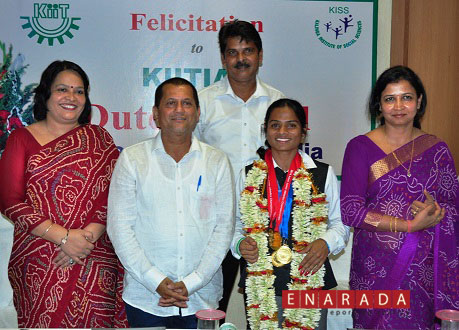 (From Left to Right) Dr. Sucheta Priyabadini, Joint Registrar – Student Affairs, KIIT University, Dr. Achyuta Samanta, Founder, KIIT & KISS, Sprinter Miss Dutee Chand , student of KIIT Law School, Gaganandu Dash, Sports officer- KIIT Univeristy and Dr. Sasmita Samanta, Registrar – KIIT Univeristy