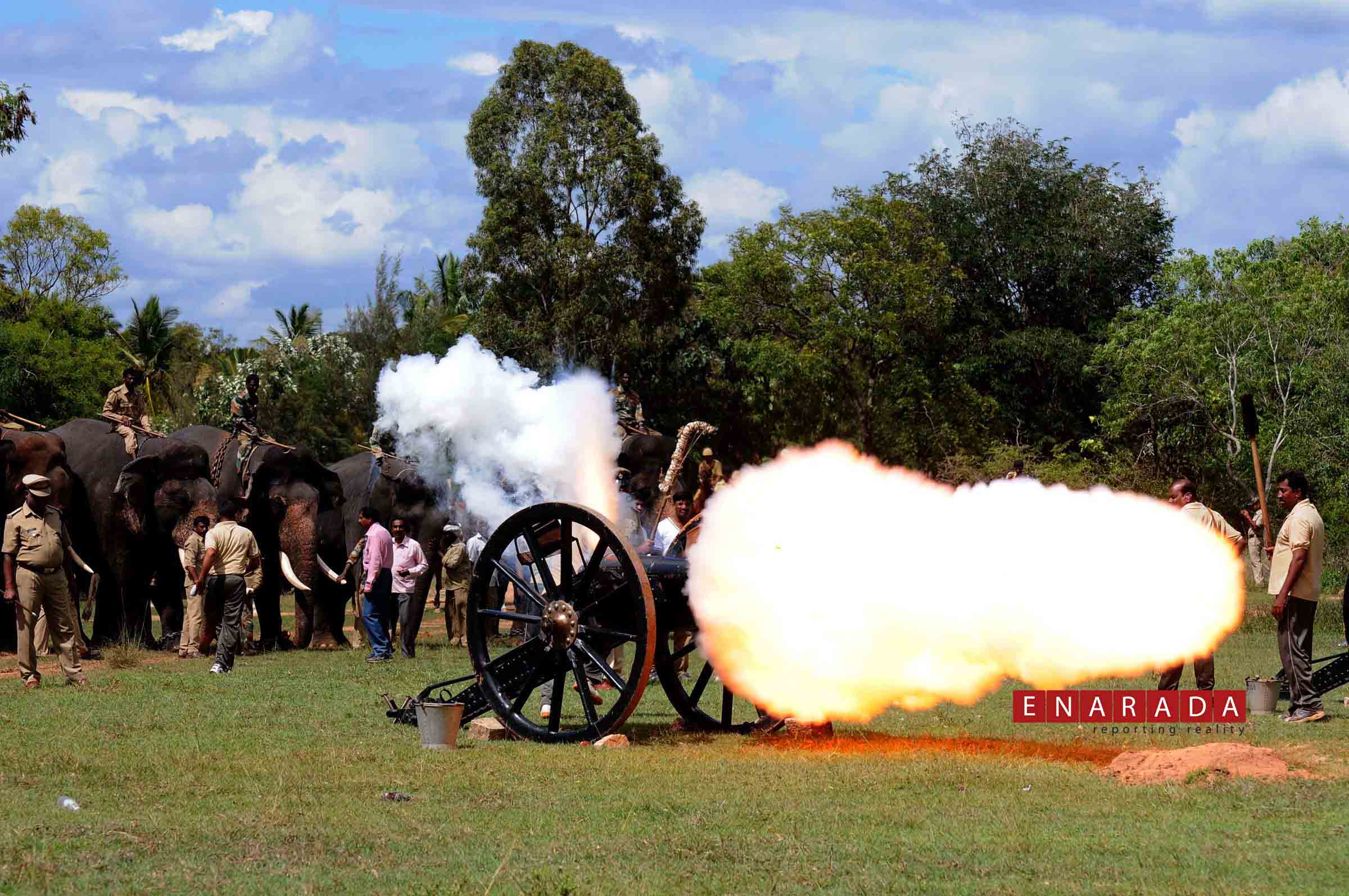 canon fire in Mysuru. Oct 7, 2015. Ph: WWW.ENARADA.COM