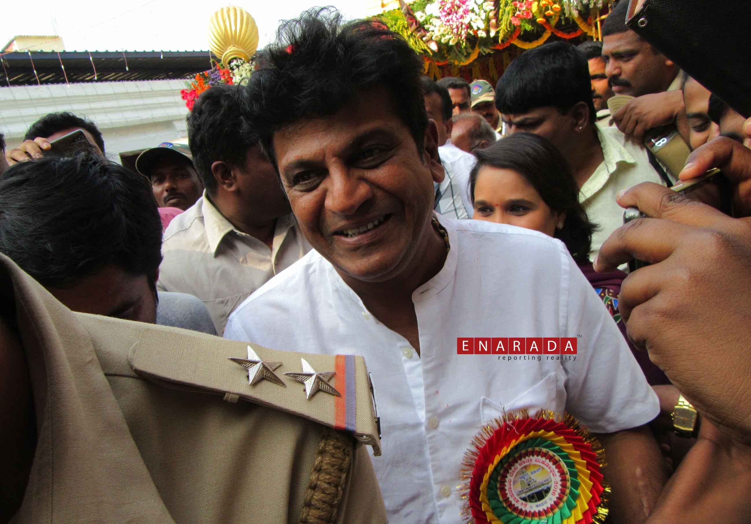 Film star Shivarajkumar visits Hasanamba Temple. eNarada Pictur