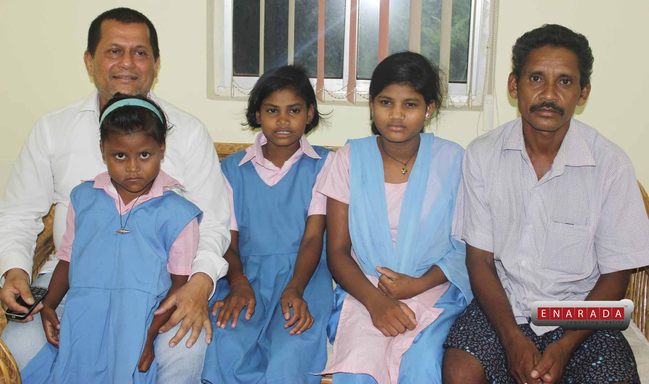 Achyuta Samanta with Dana Majhi and his sisters.