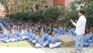 Achyuta Samanta wishing students - Copy