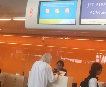 Jet Airways cancels flight at last minute, Passengers had a tough time at KIA